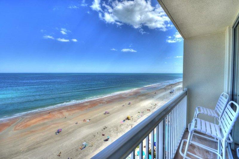 1111 - Daytona Beach Resort  - Oceanfront Studio - Sleeps 4, alquiler de vacaciones en Holly Hill