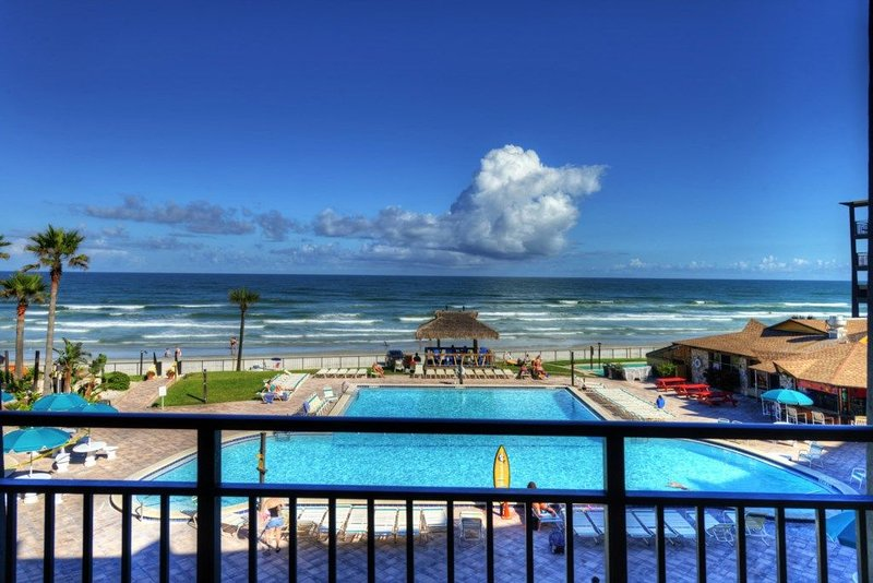315 - Hawaiian Inn Resort - Front & Center, casa vacanza a South Daytona
