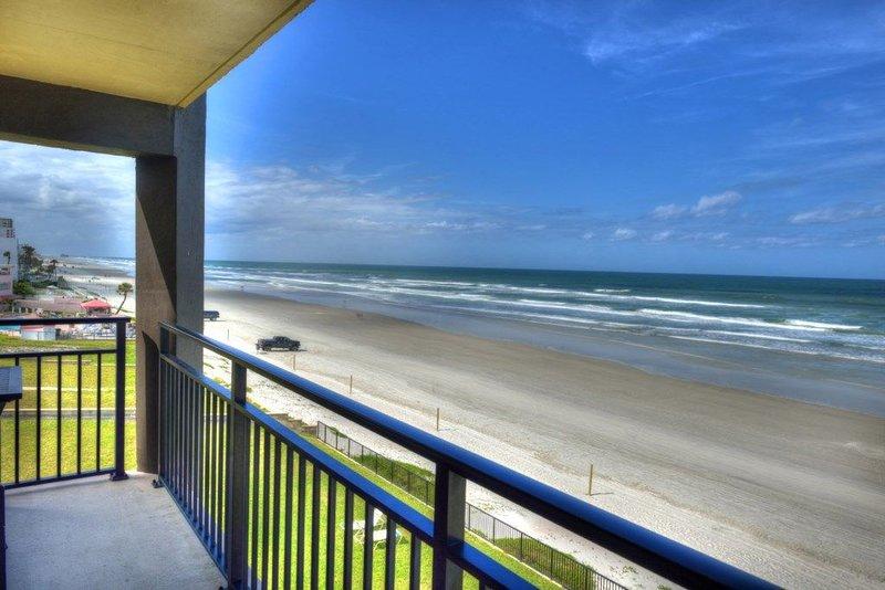 405 - 4th Floor 'Port Hole' Penthouse, location de vacances à South Daytona