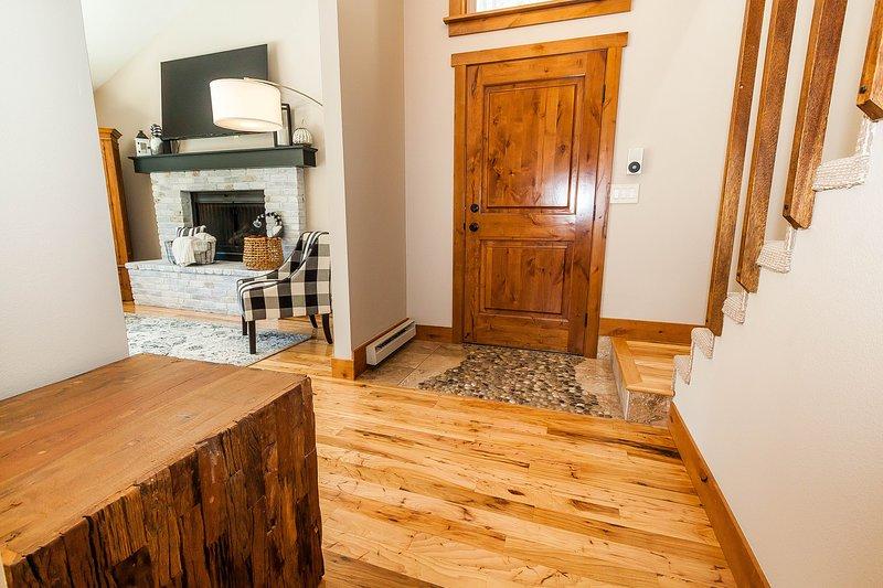 Hardwood,Flooring,Floor,Stained Wood,Room