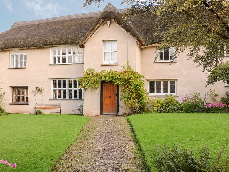 MIDDLE COOMBE FARM, open fire, original features, in Uplowman, vakantiewoning in Bampton