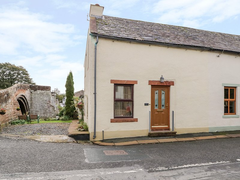 RIVER COTTAGE, WiFi parking,Eamont Bridge,Ref 972596, holiday rental in Askham