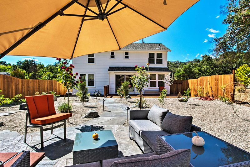 Glen Ellen House w/Hot Tub, Walk to Wineries!, location de vacances à Glen Ellen