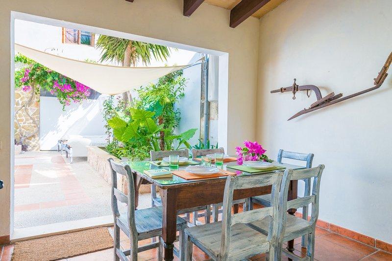 CA SA CRISTETA DE S'ESCOLÀ - Chalet for 8 people in sa Pobla, vacation rental in Sa Pobla