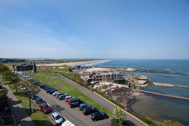 38 The Scores, holiday rental in Leuchars