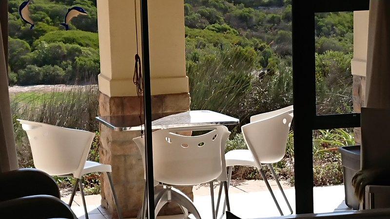 Royal Troon Apartment Atlantic Beach Estate, vacation rental in Grotto Bay