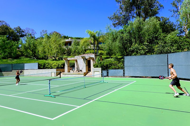 5-star LUXURY RESORT:Tennis, Pool, Spa, 3 acre Estate near Beach, Golf, Races – semesterbostad i Rancho Santa Fe