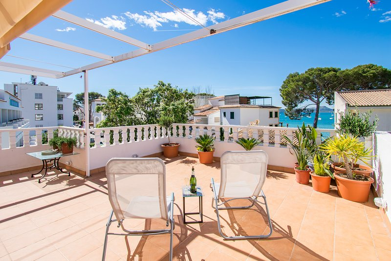 Nice 3 bedr. apartment El Faro with sea view located in Pine Walk, aluguéis de temporada em Formentor