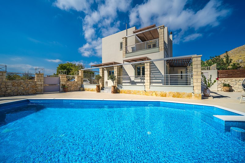 Eva Luxury Villa, Exopoli Chania, vacation rental in Exopoli