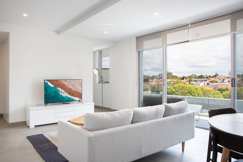 Innercity 2 Bedroom Pad Close to City & Airport, vacation rental in Kingsgrove