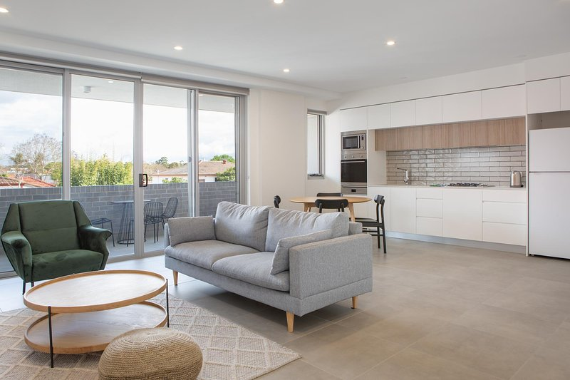 Bright and Spacious Inner West Apartment, vacation rental in Marrickville