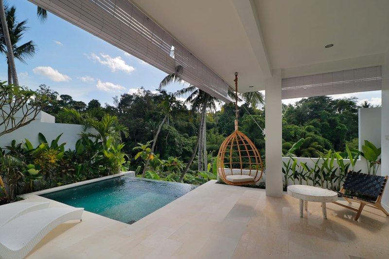 Romantic Jungle Villa, 1 BR, Ubud w/ staff | 50% Discount, holiday rental in Bedulu