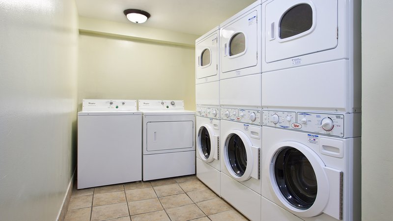 Enjoy on-site amenities such as the laundromat.