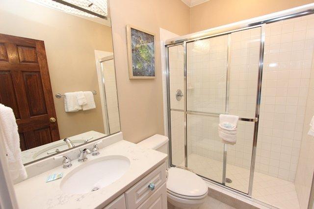 Sink,Indoors,Room,Bathroom,Toilet