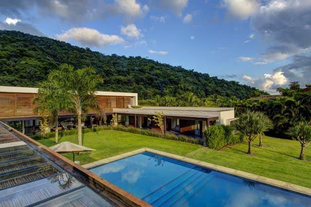 Breathtaking Villa in the Most Prestigious Condo - ANG007, holiday rental in Vila Muriqui