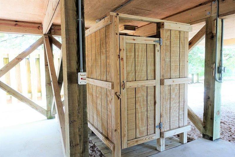 Porta, Ambientazione esterna, Legno duro, Natura, Campagna