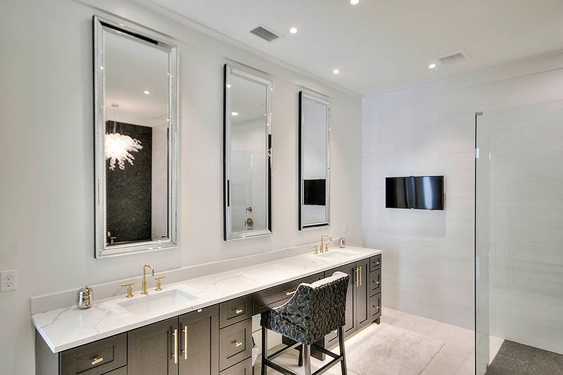 Double Sink,Indoors,Sink Faucet,Home Decor,Room