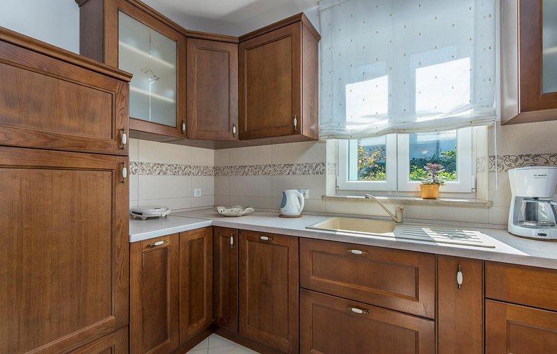 Furniture,Indoors,Room,Cabinet,Cupboard