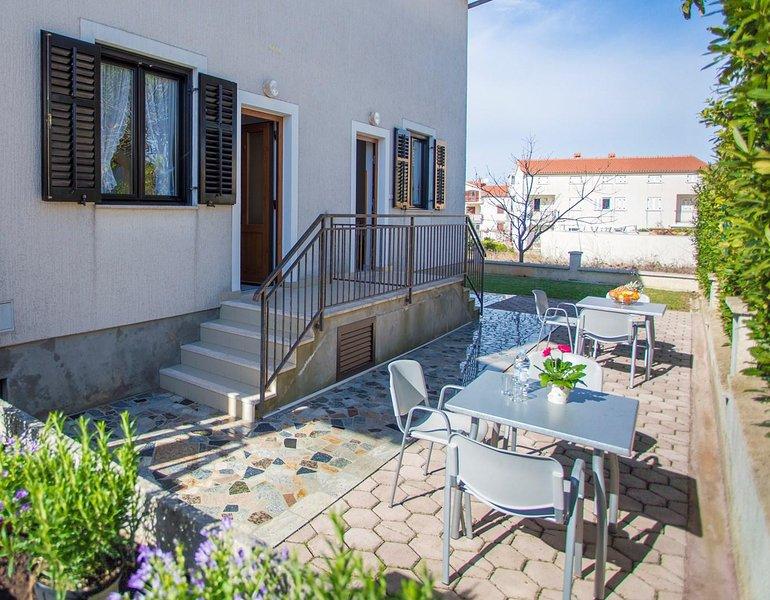 Furniture,Chair,Flooring,Banister,Handrail