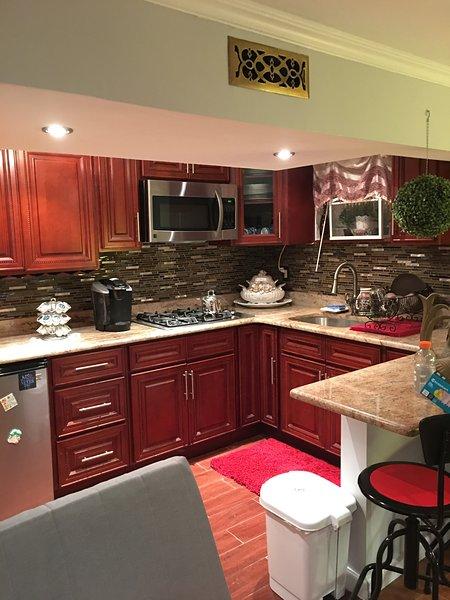 Studio apartment , private bathroom , kitchen , entrance, holiday rental in Rockaway Park