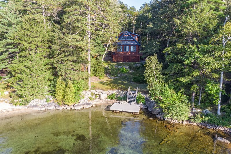 Lake Winnipesaukee - Waterfront - 318, holiday rental in Center Harbor