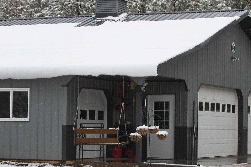 Questa casa si trasforma in un paese delle meraviglie invernale quando le stagioni cambiano!