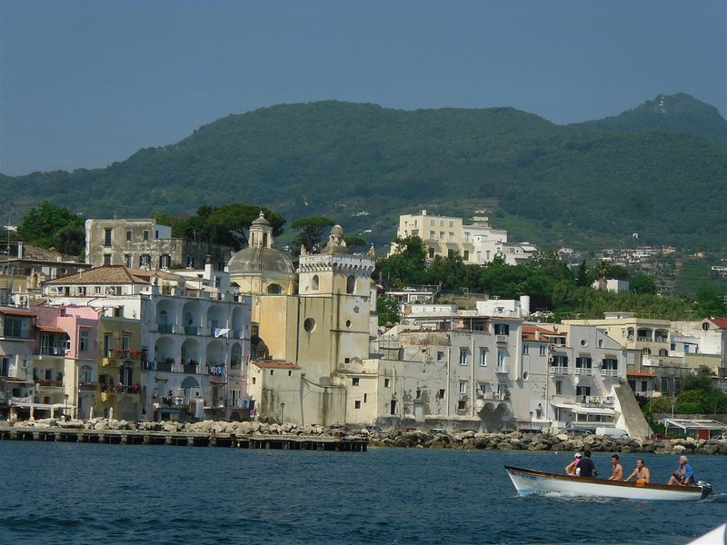 The five senses... tickled by the sea, holiday rental in Procida