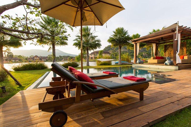 Dasiri Lakefront Villa PREMIUM, holiday rental in Hua Hin