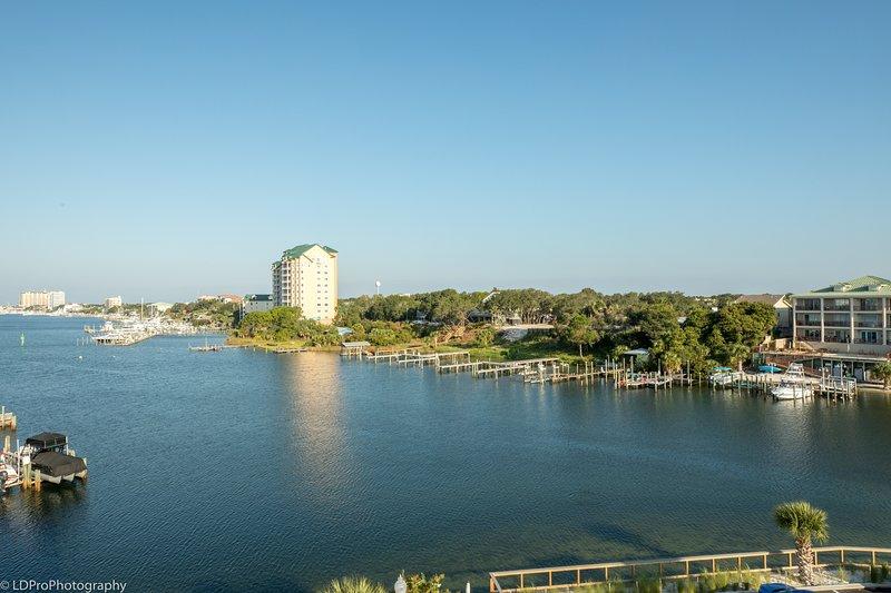 Water,Nature,Outdoors,Lake,Waterfront