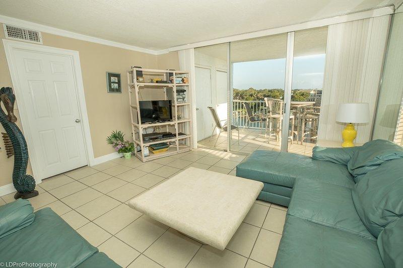 Flooring,Floor,Furniture,Building,Indoors