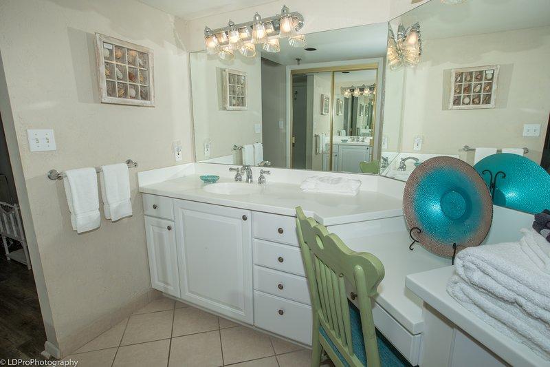 Indoors,Flooring,Furniture,Home Decor,Hardwood