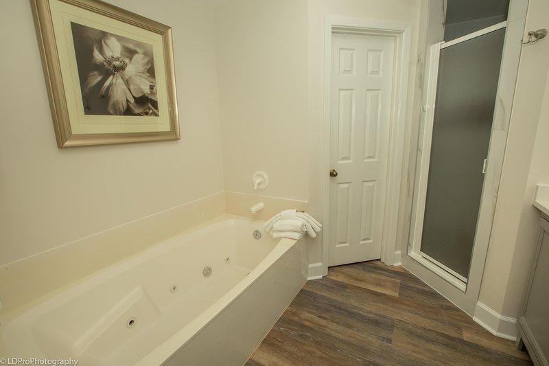 Pavimento, Pavimento, vasca da bagno, idromassaggio, Ambientazione interna