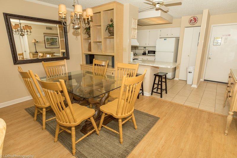 Furniture,Chair,Flooring,Hardwood,Floor