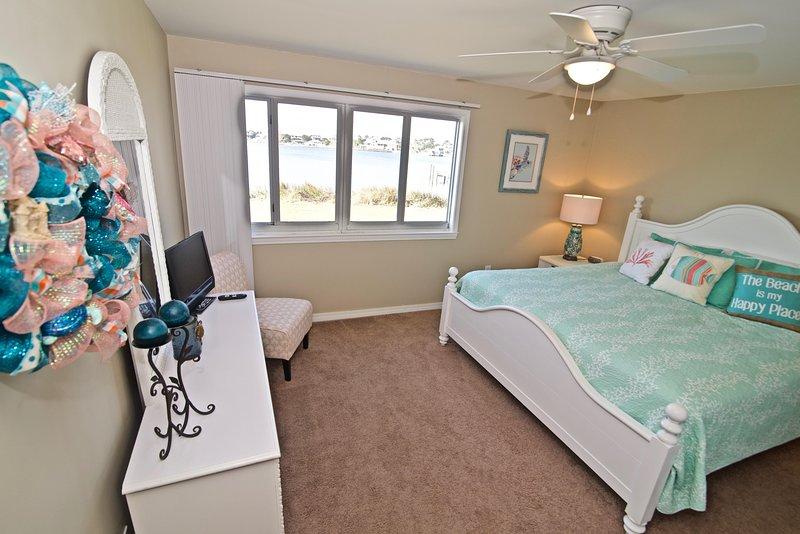 """""""Ventilatore a soffitto, mobili, letto, camera da letto, interni"""""""