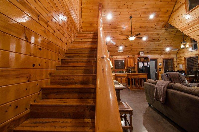 Escalier, bois franc, canapé, meubles, revêtements de sol