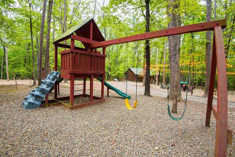 """""""Área de recreação, playground, Área de recreação ao ar livre, Vegetação, Ao ar livre"""""""