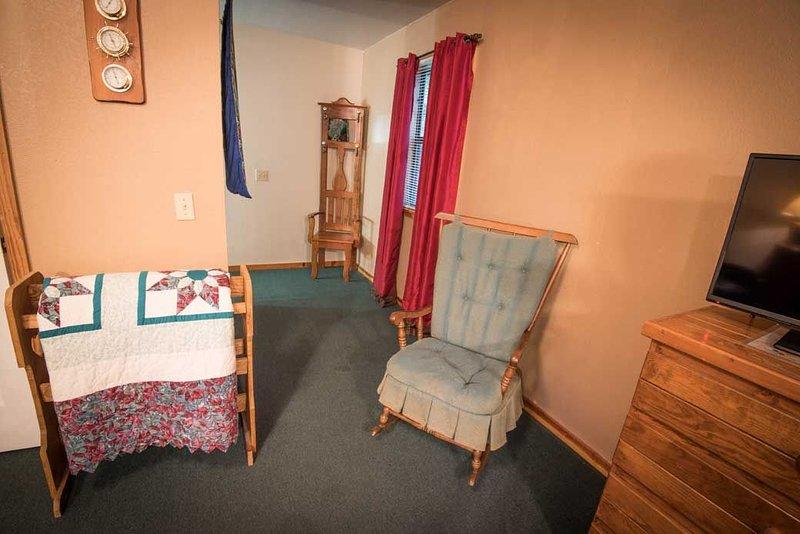 Chair,Furniture,Room,Indoors,Bedroom