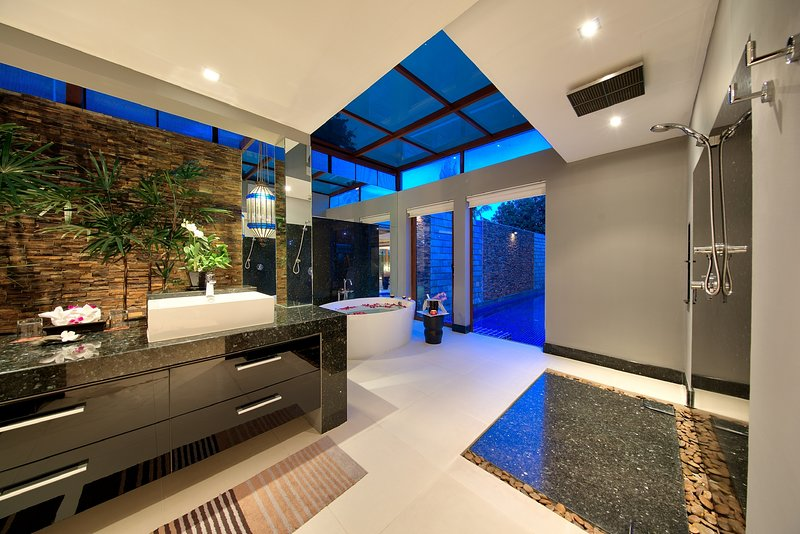 Villa Chi Samui, Luxury Villa Directly on the Beach, aluguéis de temporada em Mae Nam