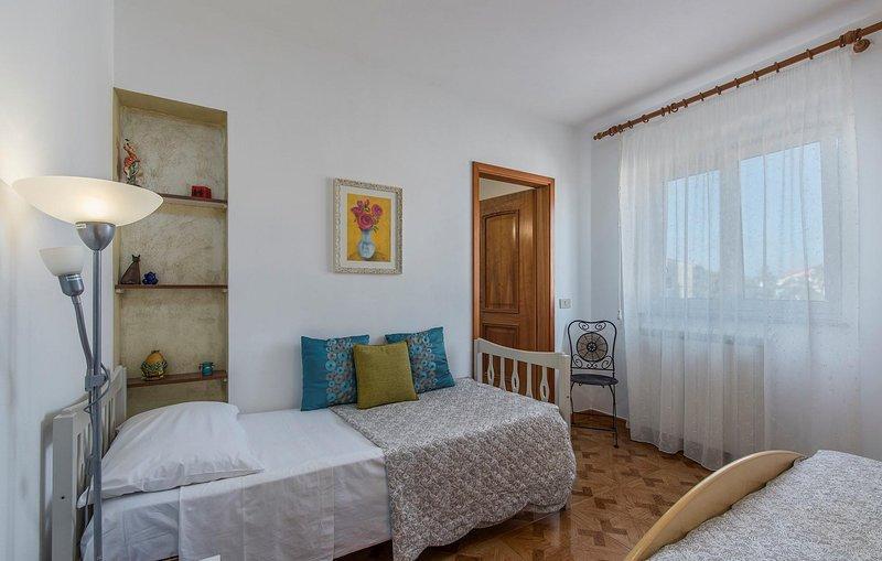 Binnenshuis, ruimte, slaapkamer, meubels, vloeren