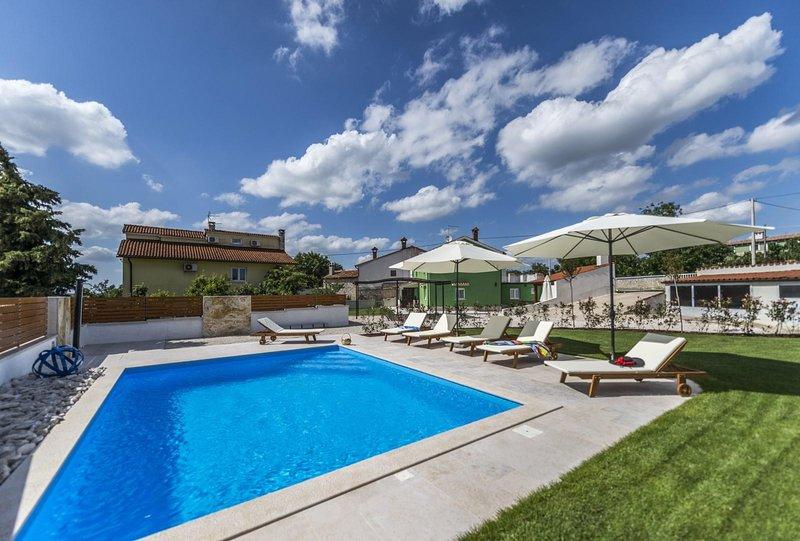 Water,Pool,Resort,Building,Hotel