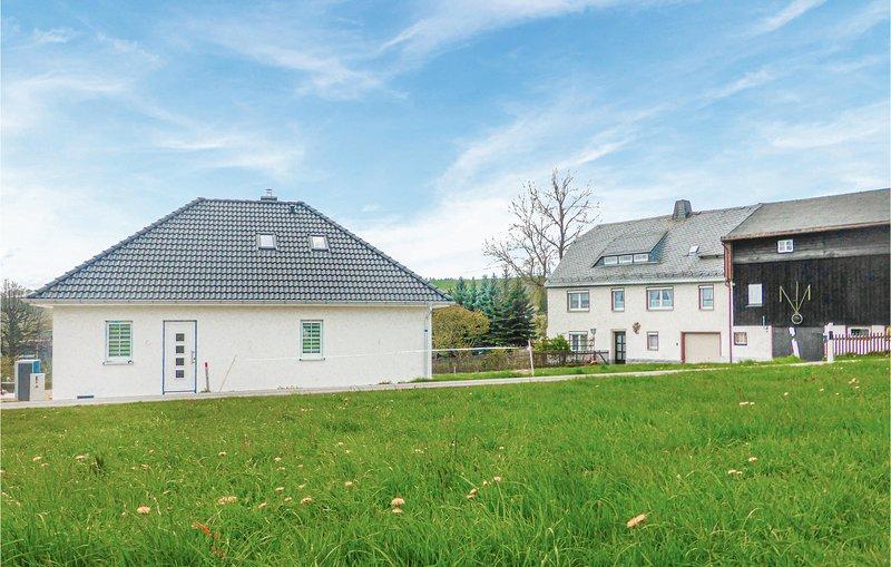 Stunning home in Bad Schlema w/ WiFi and 2 Bedrooms (DER123), vacation rental in Stuetzengruen