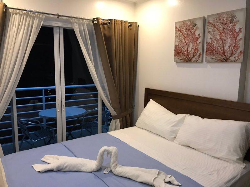 Cozy 2BR Primavera Condo w/ Modern Features, alquiler vacacional en Cagayan de Oro