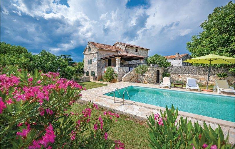 Charmant vakantiehuis met zwembad in de buurt van Pula (CIL231), location de vacances à Jursici