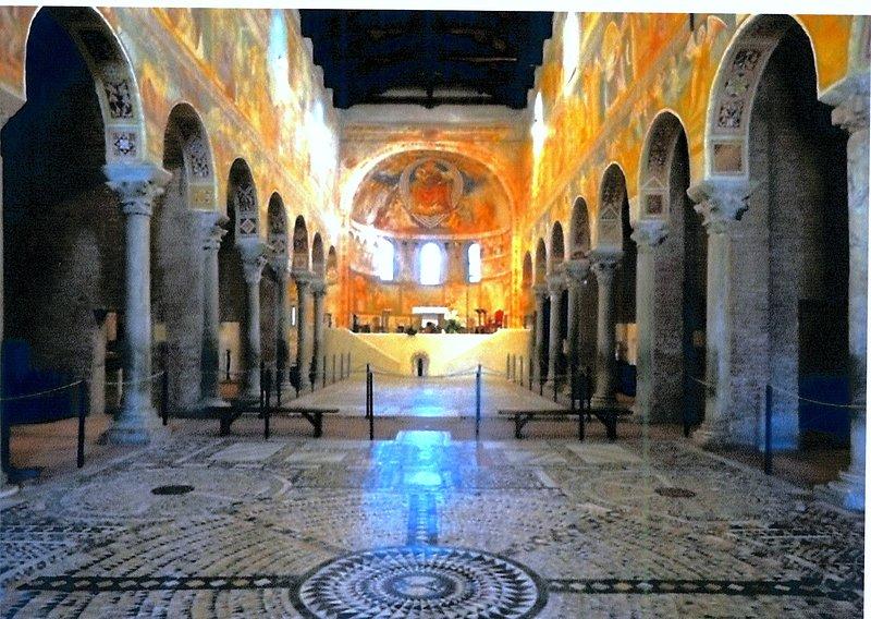Intérieur de l'abbaye de Pomposa