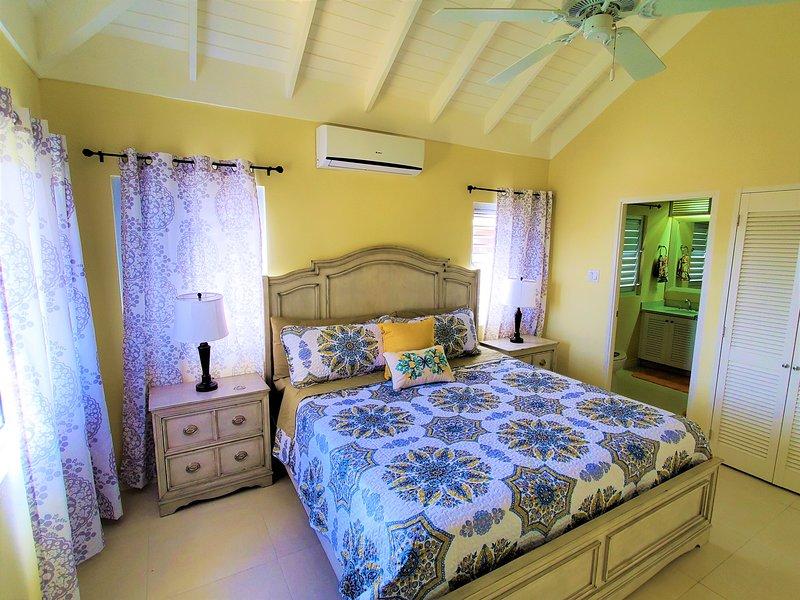 LuxuryCrest w/⭐️Free Attraction⭐️ Near Ocho Rios, vacation rental in Jamaica