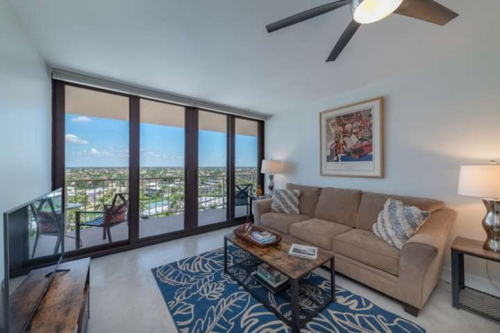 Why watch TV when you get look out the brand new sliding glass doors at the beautiful city view of Marco Island, Naples and Clam Bay.