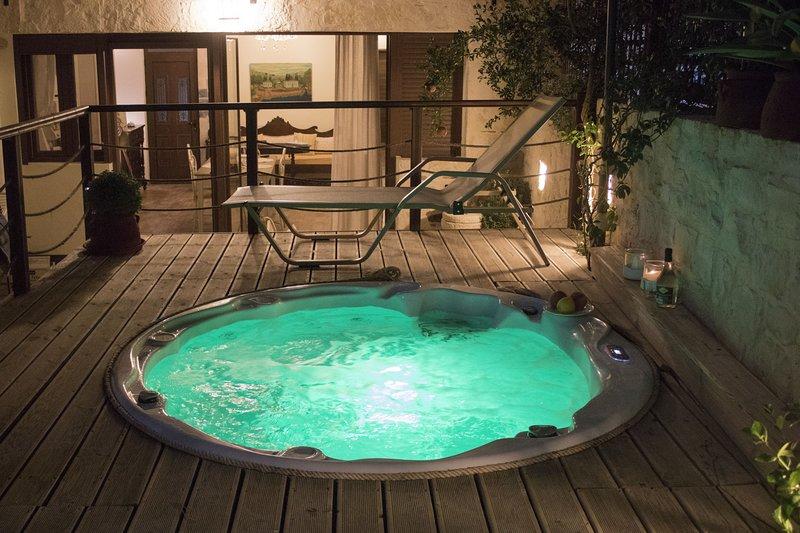 Luxury Suites in Panormo, Arxontariki 1, alquiler vacacional en Roumeli