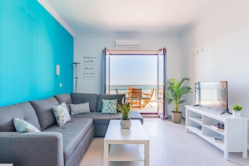Ericeira Holiday Apartment with pool, terrace and ocean view, holiday rental in Casais de Sao Lourenco