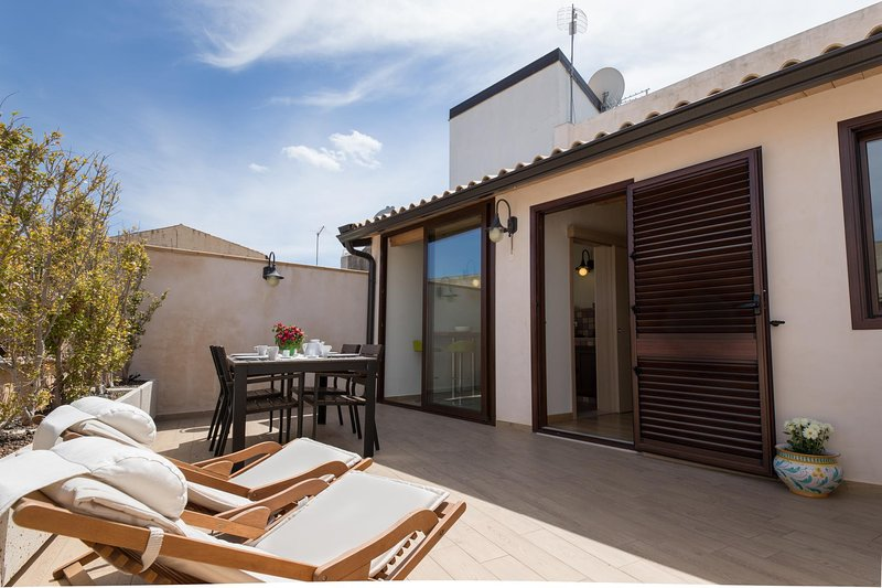 Hiresicily - Apt F - Wellness House Galilei, vacation rental in Avola