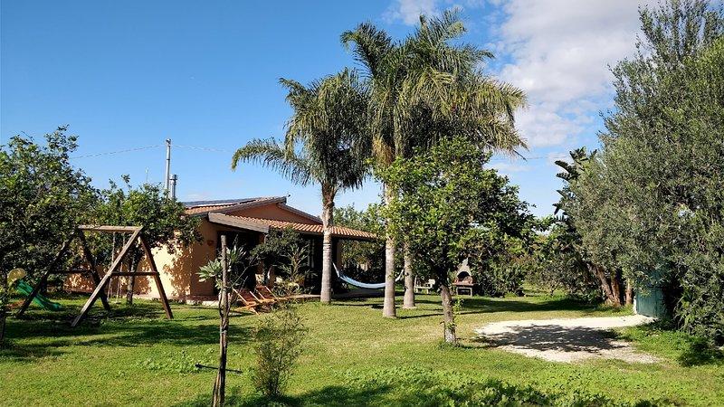Hiresicily - Giardino di Limoni Eco friendly villa, holiday rental in Noto